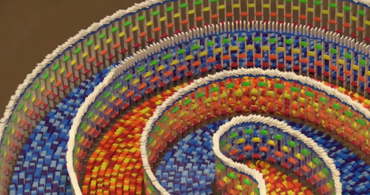 Watching 15,000 Dominos Tumble Is Nothing Short Of Hypnotic