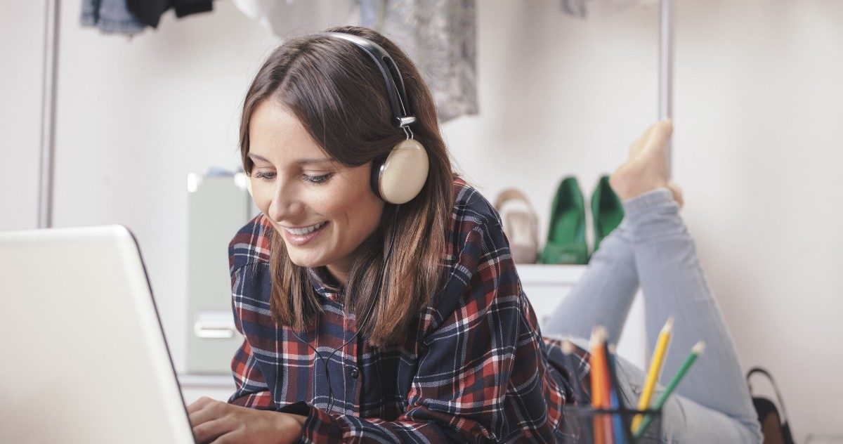 How The Perfect Playlist Can Improve Your Productivity