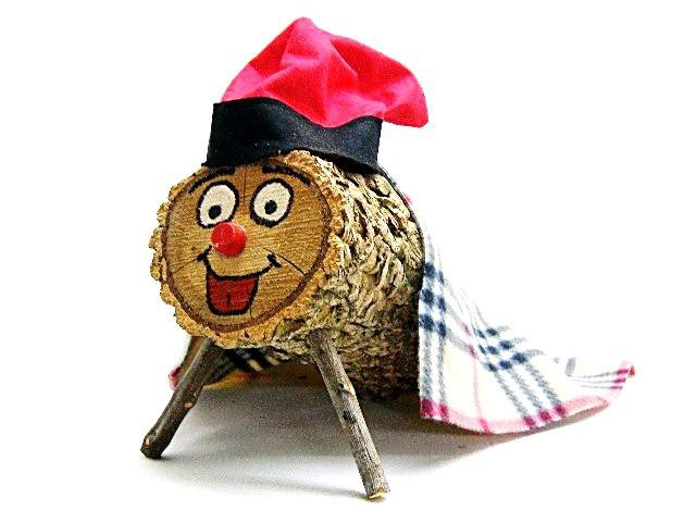 This Log Poops And Pees In The Spirit Of Christmas