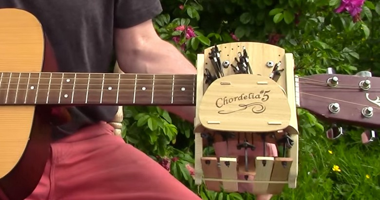 This Genius Device Learns Guitar For You