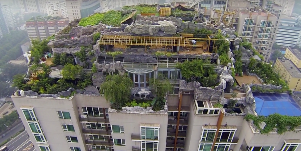 This Secret Mansion Was Built On Top Of A Skyscraper