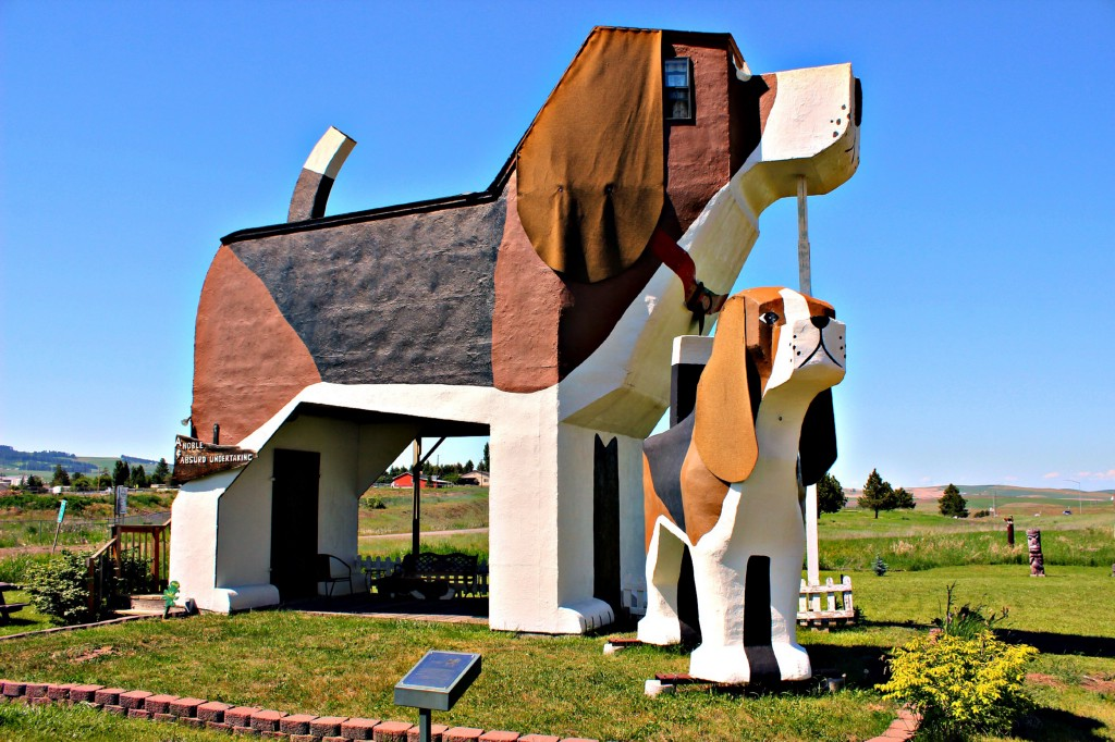 You Can Sleep In This Giant Beagle Because Dreams Really Do Come True