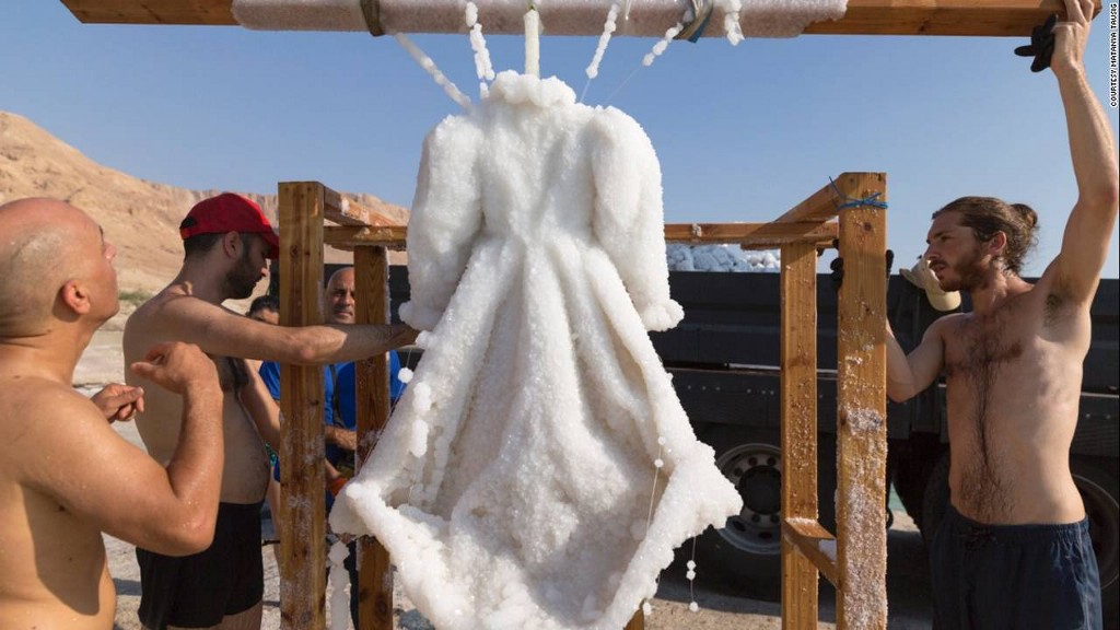 If You Soak A Dress In The Dead Sea, It Will Turn Into This Glittery Masterpiece