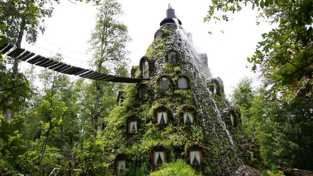 There's A Hotel Hidden In This Chilean Volcano/Waterfall