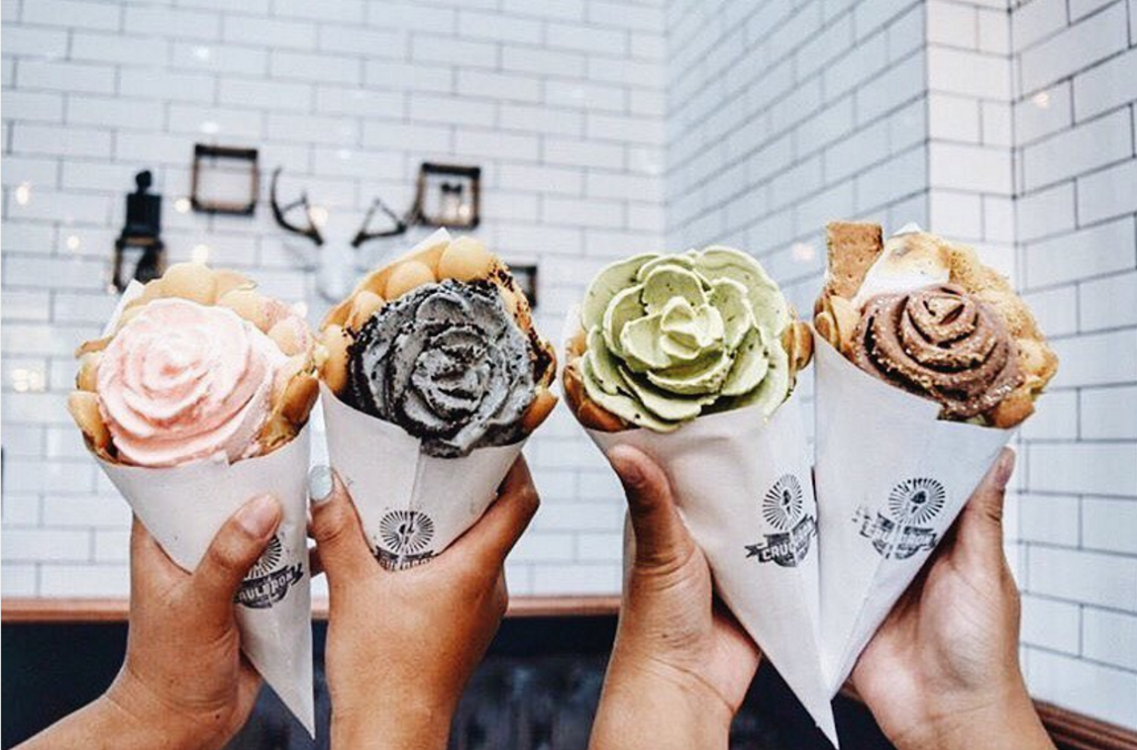 Ice Cream Bouquets > A Dozen Roses