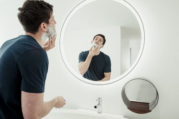 5 Tips for Shaving If You Have Acne-Prone Skin